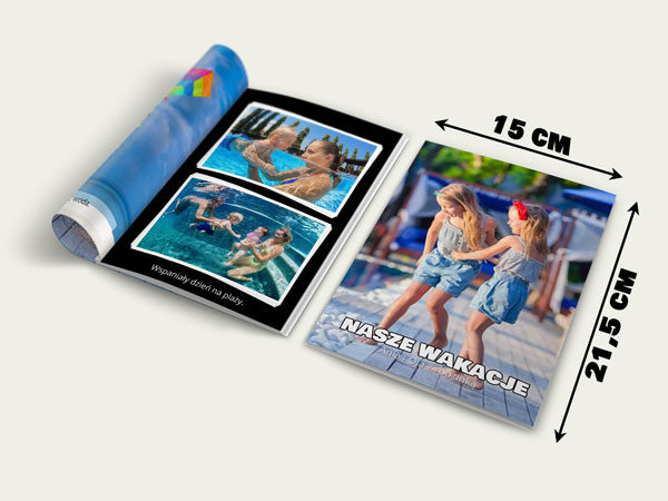 Mała fotoksiążka A5 w miękkiej oprawie. Może zawierać od 40 do 80 stron i do 2 zdjęć na stronie. Przepiękna mała książeczka w bardzo korzystnej cenie. Dowiedz się więcej