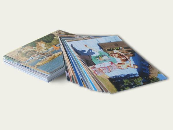Sztywny satynowy papier. Głębokie nasycone kolory zadowolą najbardziej wymagających. 100 zdjęć 10x15cm lub 50 zdjęć 15x21cm.  Dowiedz się więcej