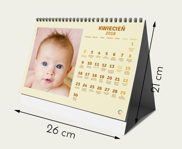 Rozmiar 26 na 21 cm  12 miesięcy plus okładka  Własne zdjęcia w każdym miesiącu  Własne święta  Dowiedz się więcej
